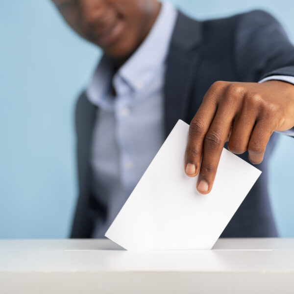 african-man-voted-on-president-elections