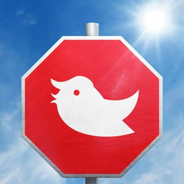sign-warns-president-trump-stop-tweeting