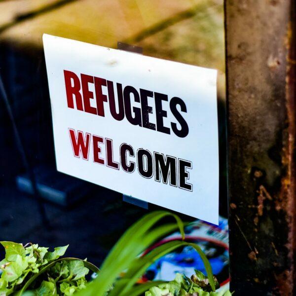 Cuba-refugees-welcome-banner